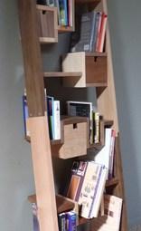 2016: Boekenkast (div. soorten resthout)